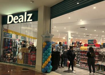 Supermercado Dealz en Tres Aguas