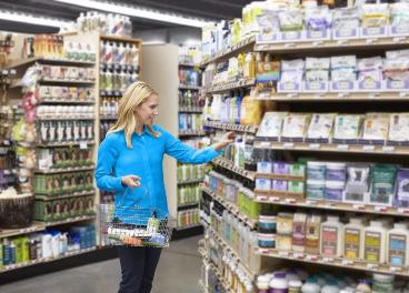 Clienta en un supermercado