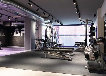 Interior de un centro de Anytime Fitness