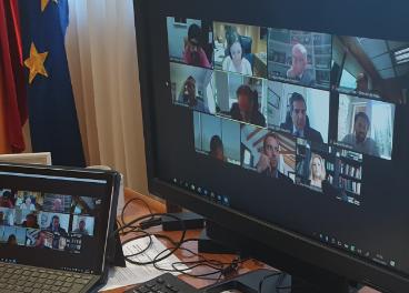 Encuentro virtual con Reyes Maroto