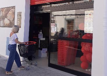 Eroski y Veritas abren supermercados