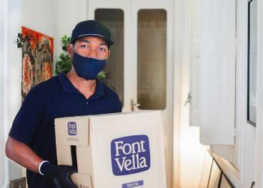 Repartidor de Font Vella en Casa, de Danone