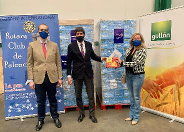 Donación solidaria de Gullón al Rotary Club