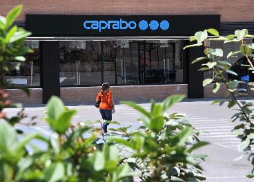 Eroski vende 50% Caprabo a Daniel Kretinsky