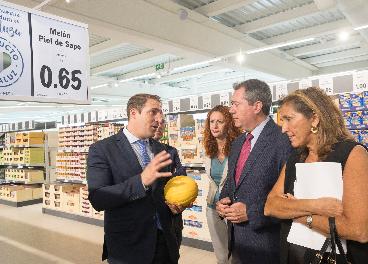 Autoridades en una tienda de Lidl en Sevilla