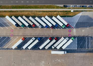 Camiones y almacenes