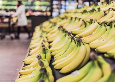 Plátanos en el supermercado
