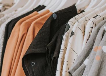 Auchan instala espacios de ropa de segunda mano