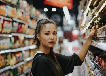 Clienta en supermercado