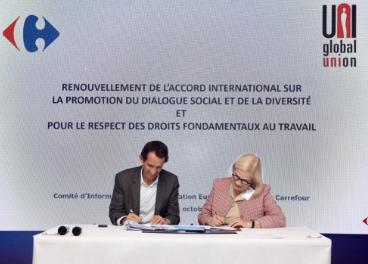 Firma del acuerdo de Carrefour y UNI
