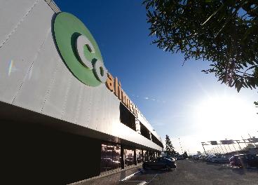 Fachada de supermercado Coaliment, de Covalco
